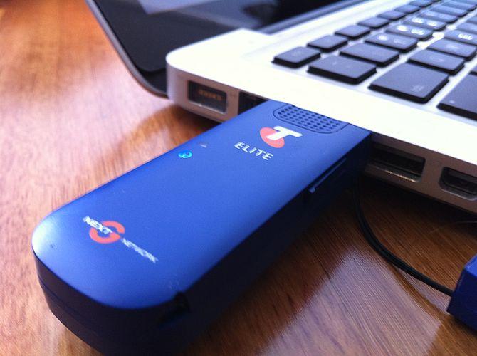 English: Telstra Elite Mobile Broadband USB 21mbit